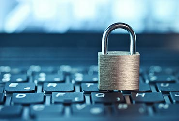 Évitez des amendes potentielles jusqu'à 100 000 $  en vous conformant aux nouvelles exigences fédérales  qui entrent en vigueur le 1er novembre  concernant les atteintes à la protection des données.