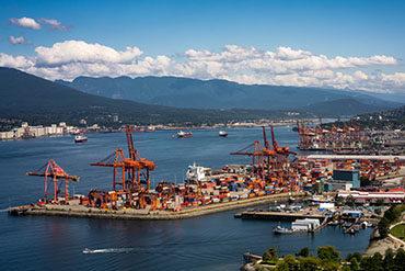 Une entente provisoire met fin au lock-out  des ports de la côte ouest