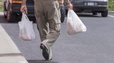 Les médias en parlent: les sacs d'emplettes en plastique