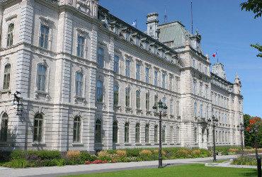 Ajustement des heures d'ouverture des commerces du Québec