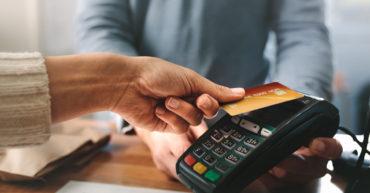 La COVID-19 accélère la transition vers les paiements numériques à travers le Canada: Publication des données d'Interac